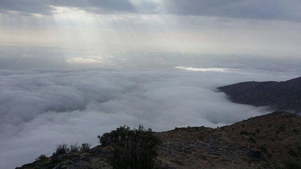 شبكة أجواء عمان السحب تغطي الجبل الأخضر و ولاية ازكي و هي تلتحف بالغيوم رابطة أجواء الخليج G S Chasers Instagram Instagram Posts Photo