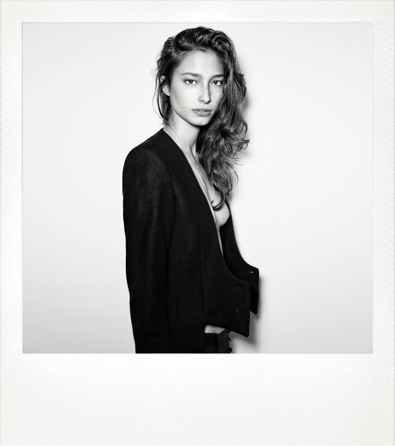 Alexandra Agoston Nude Photos 83