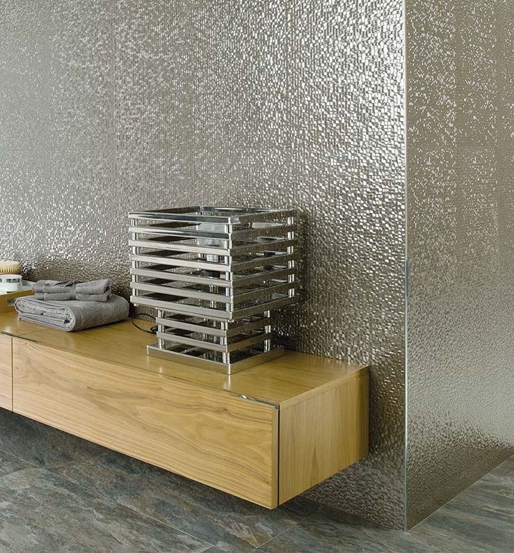 Cubica silver this glossy metal effect wall tile has all for Porcelanosa bathrooms prices