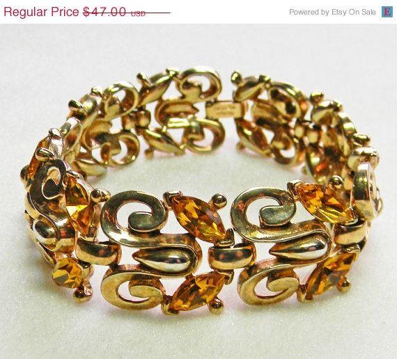 Trifari Bracelet Topaz Rhinestones Link 1950s Gold by VogueVille, $39.95