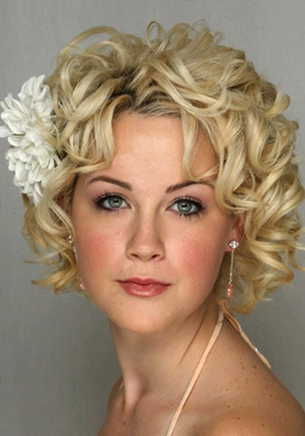 Pretty Curly Hair Styles For Round Faces Curly Hairstyles Short - Hairstyle for curly short hair round face