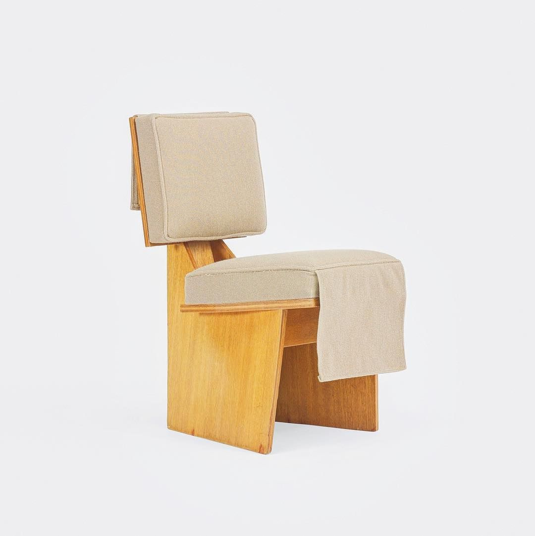 Outstanding Usonian Lounge Chair By Frank Lloyd Wright Furniture Chair Theyellowbook Wood Chair Design Ideas Theyellowbookinfo