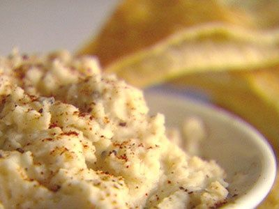 Watch Martha Stewart's White Bean Dip Video. Get more step-by-step instructions and how to's from Martha Stewart.