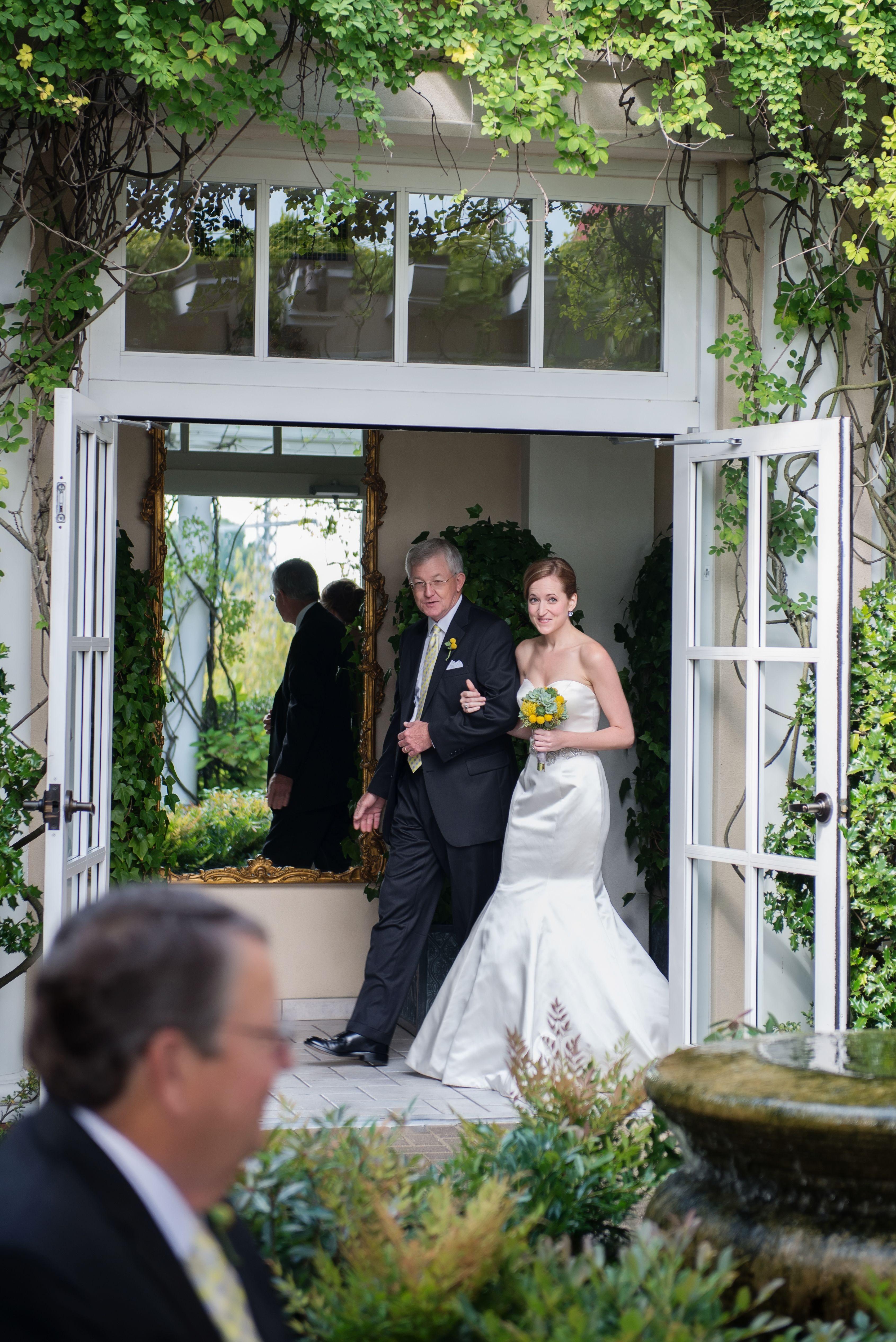 O Henry Hotel Weddings Pavilion And Cloister Garden Greensboro Nc Jenn Lewis Photography