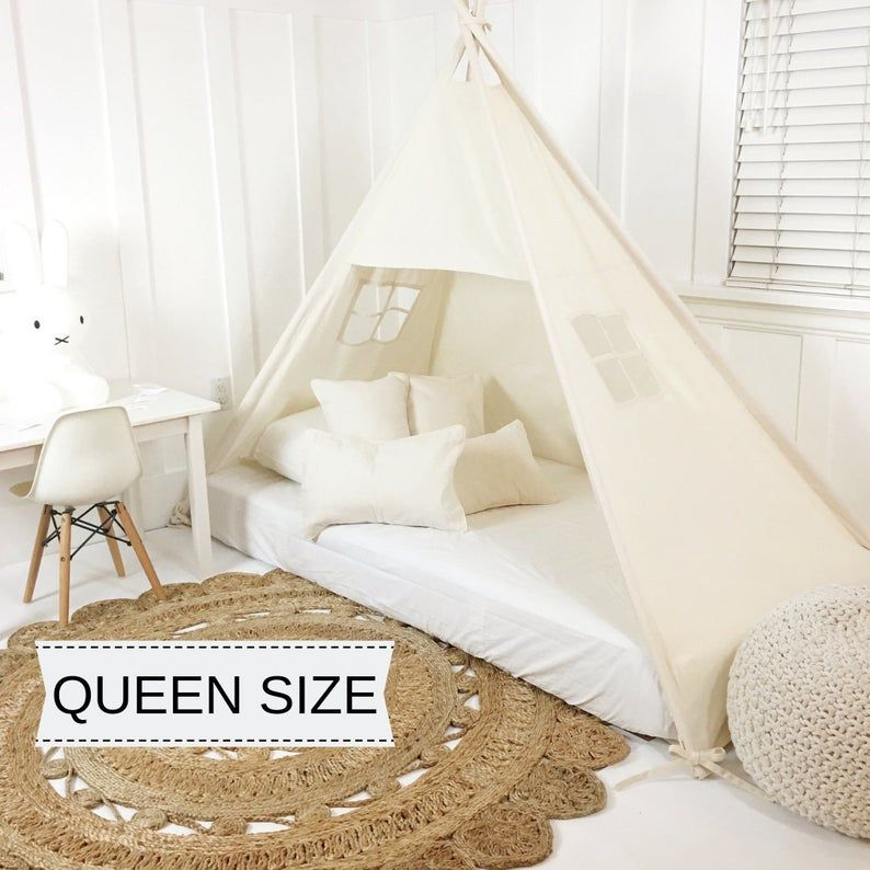 Jouez A Tent Canopy Bed In Natural Canvas Pour Queen Mattress De 10 A 12 Pouces D Epaisseur Bed Tent Canopy Tent Play Tent