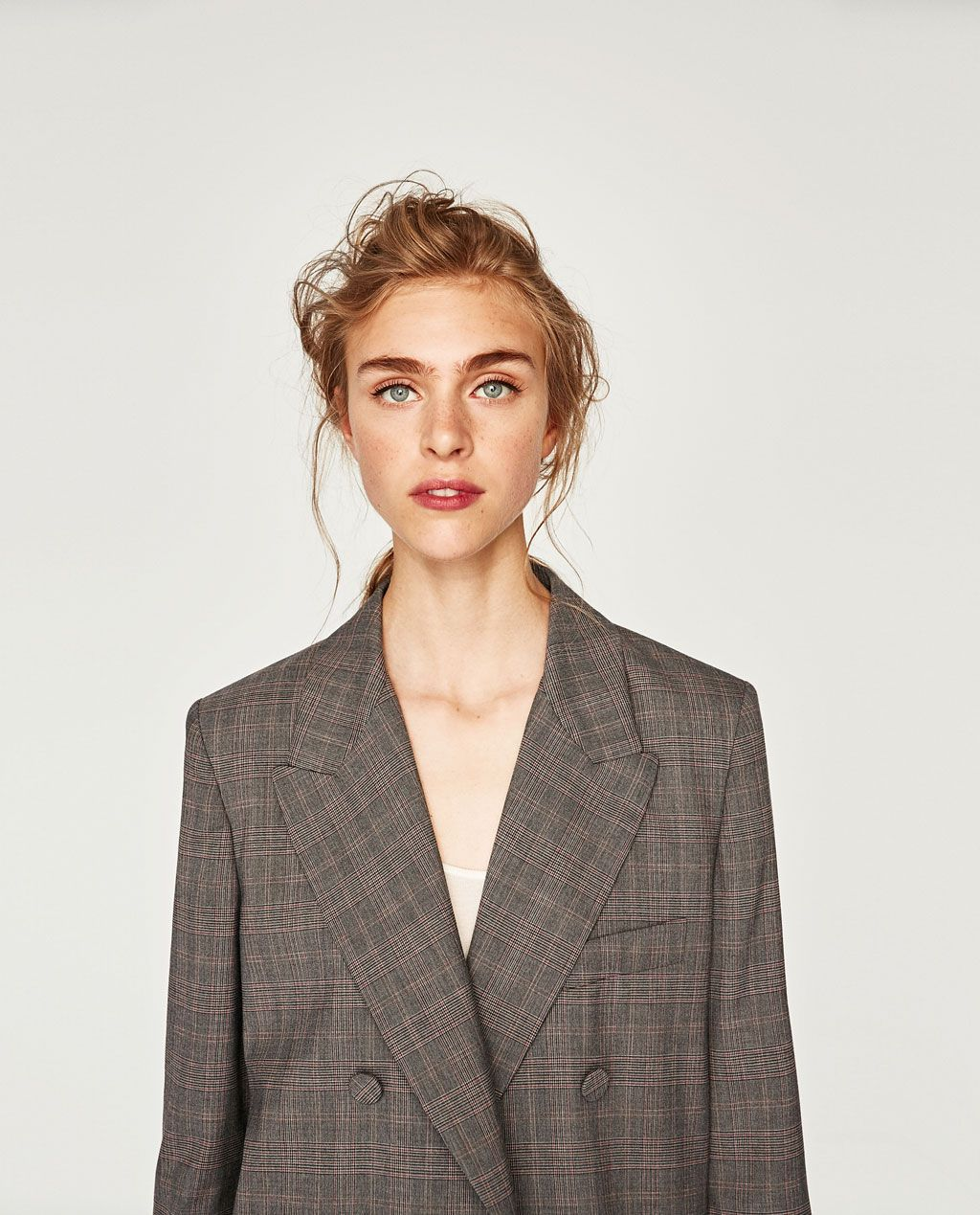 big sale 495bf ffbc9 VESTE CROISÉE À BOUTONS REVÊTUS-BLAZERS-FEMME-COLLECTION AW 17   ZARA France