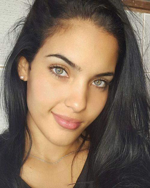 Ojos verdes - Famosas y famosos con los ojos de color VERDE 2154f44eb4993887899871871445a549