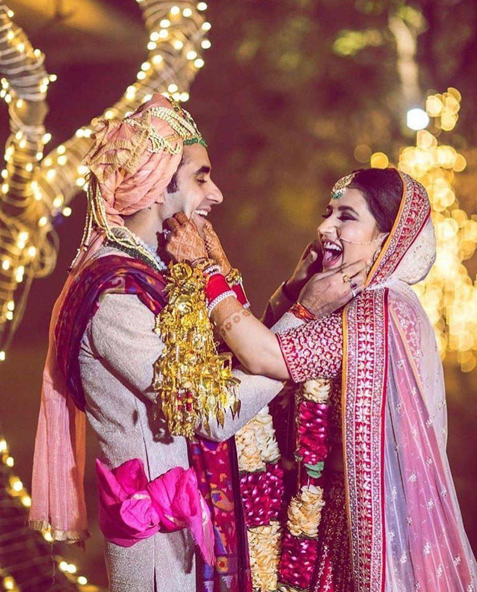 Wedding Photography Wedding Couple Poses Photography Bridal Photography Poses Indian Wedding Photography Poses