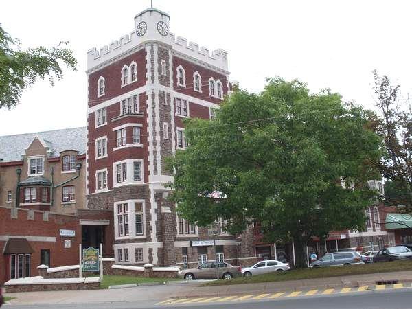 Cornwallis Inn, Kentville? Nova Scotia My first apartment ...