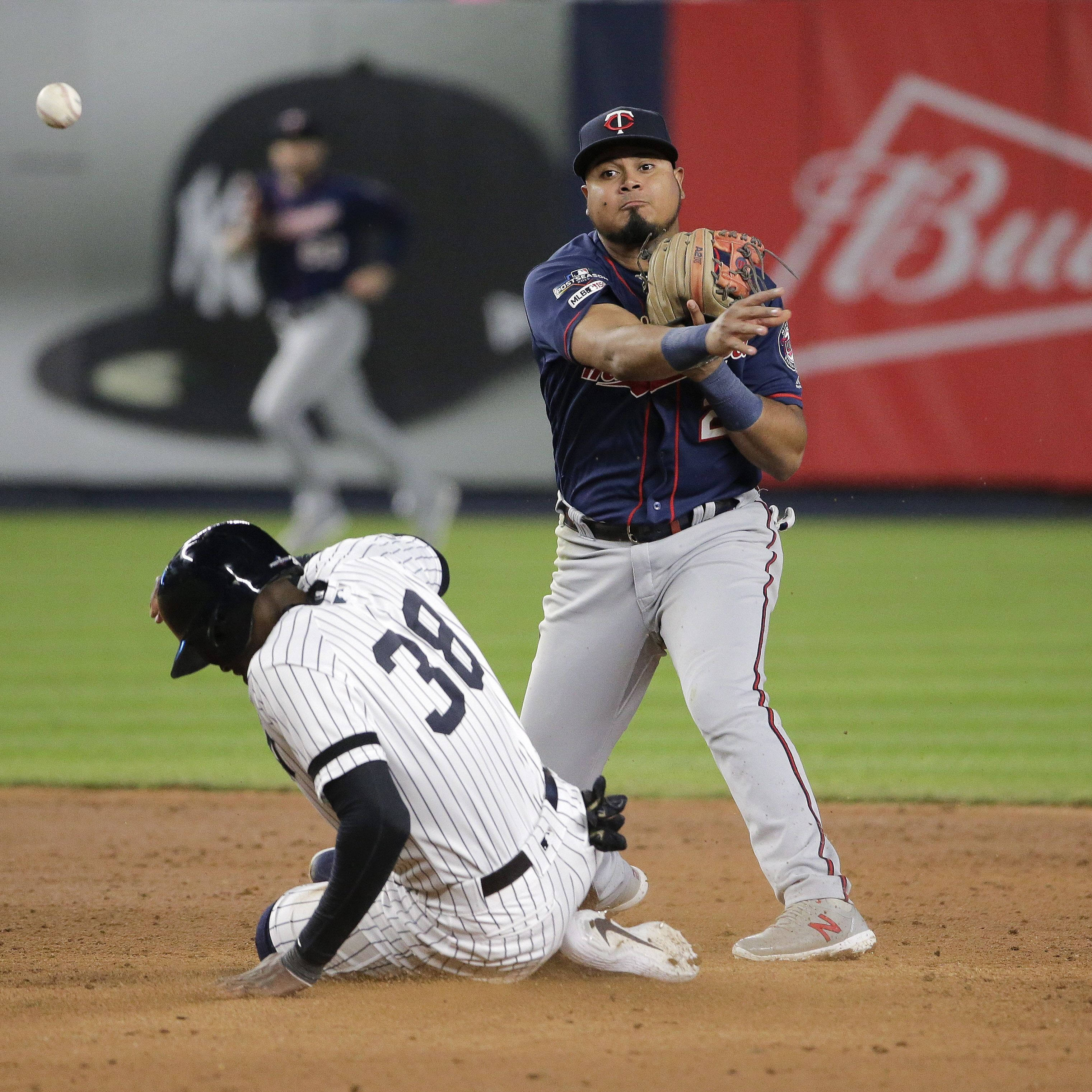 Nlds Game 3 Braves Stun Cardinals With Ninth Inning Rally After Epic Pitchers Duel Braves Atlanta Braves Usa Today Sports