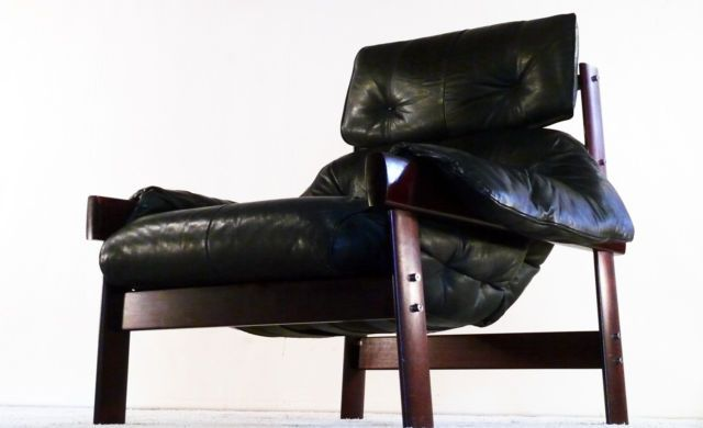 Another beautiful wing / lounge chair from Percival Lafer