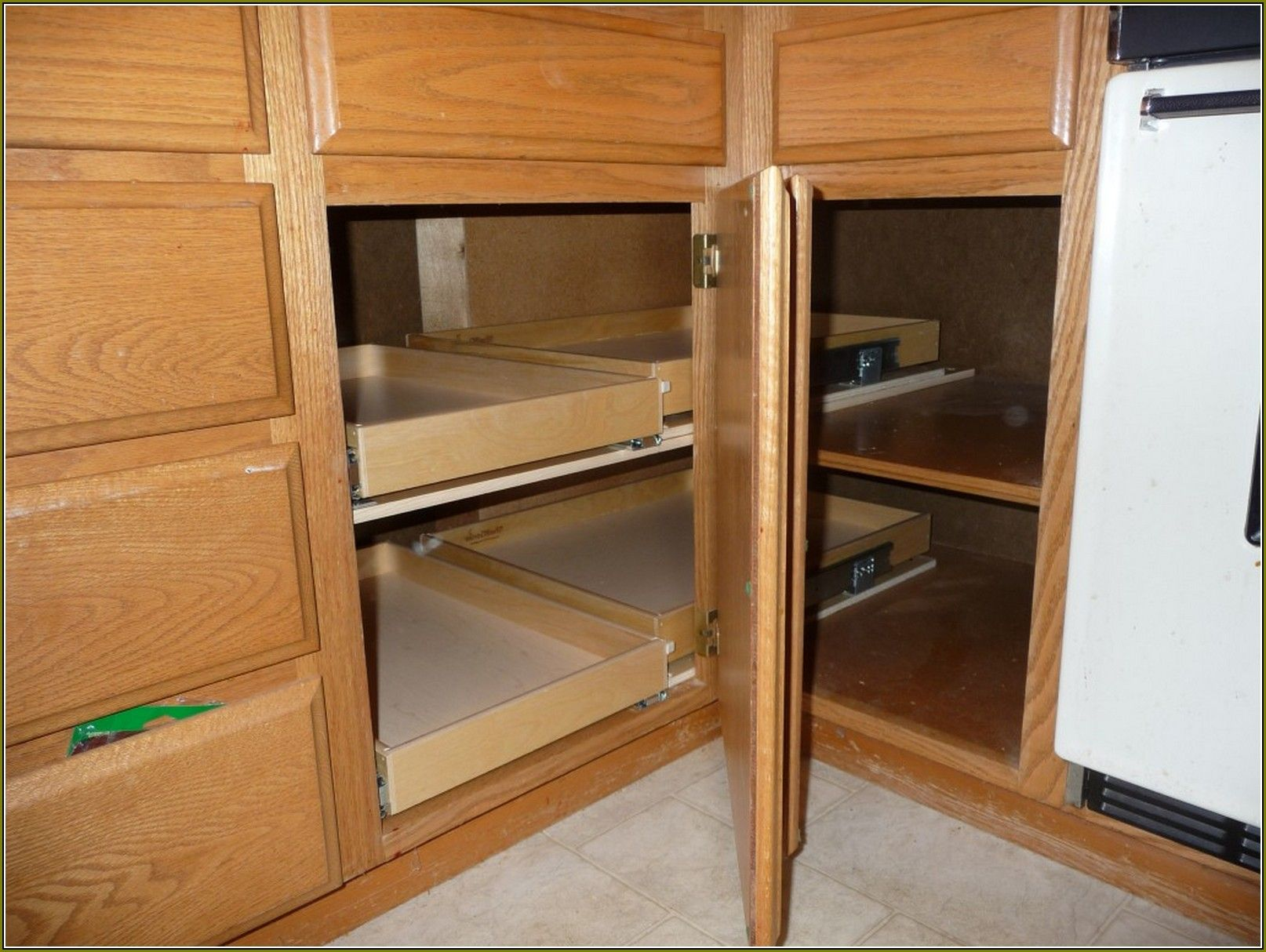 Best Blind Corner Solutions For Kitchen Corner Cabinet 400 x 300