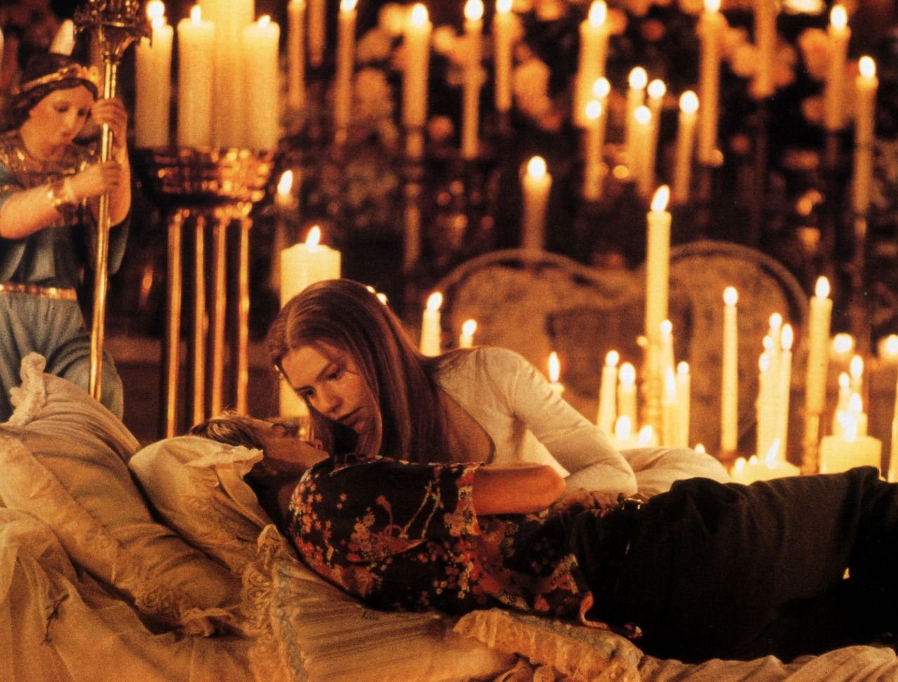 romeo and juliet death scene 1996