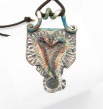 www.islandmoonjewelry.com  SEA HORSE HEART  $ 176.