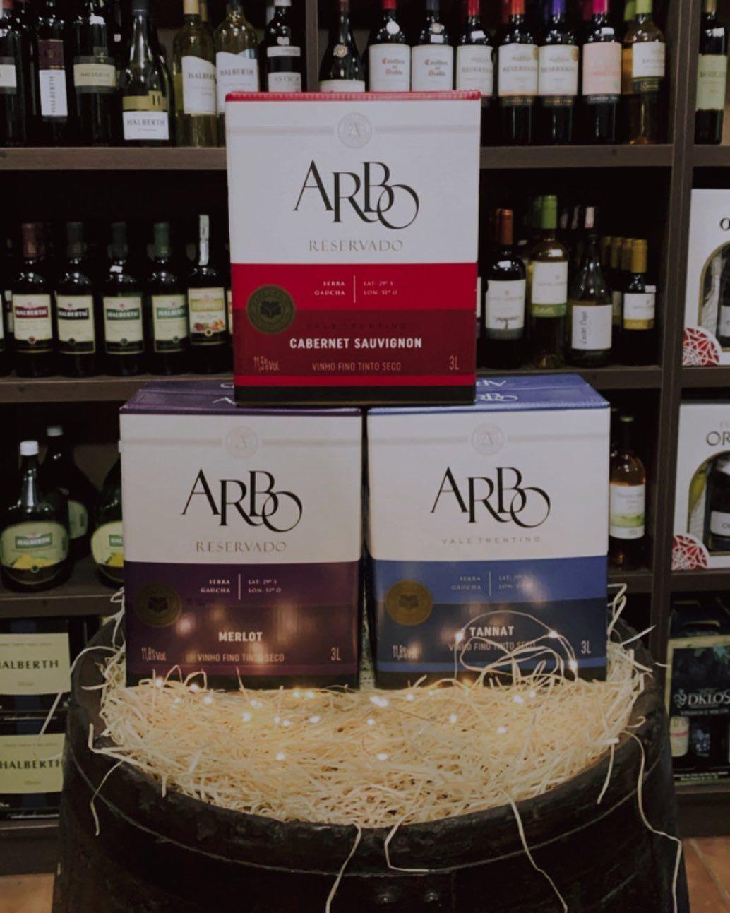 Comercial De Bebidas Ritter On Instagram E Quem Resiste A Um Bag In Box Da Casaperini Nesse Inverno Gelado Arbo Casaperi In 2020 Wine Box Wine Bread