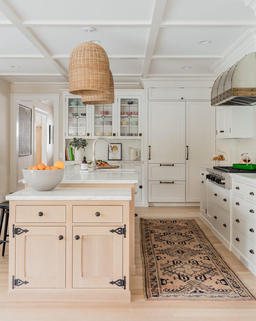 An Arts Crafts Style Home I Can Get Behind Lark Linen In 2020 Interior Design Kitchen Kitchen Design Kitchen Interior