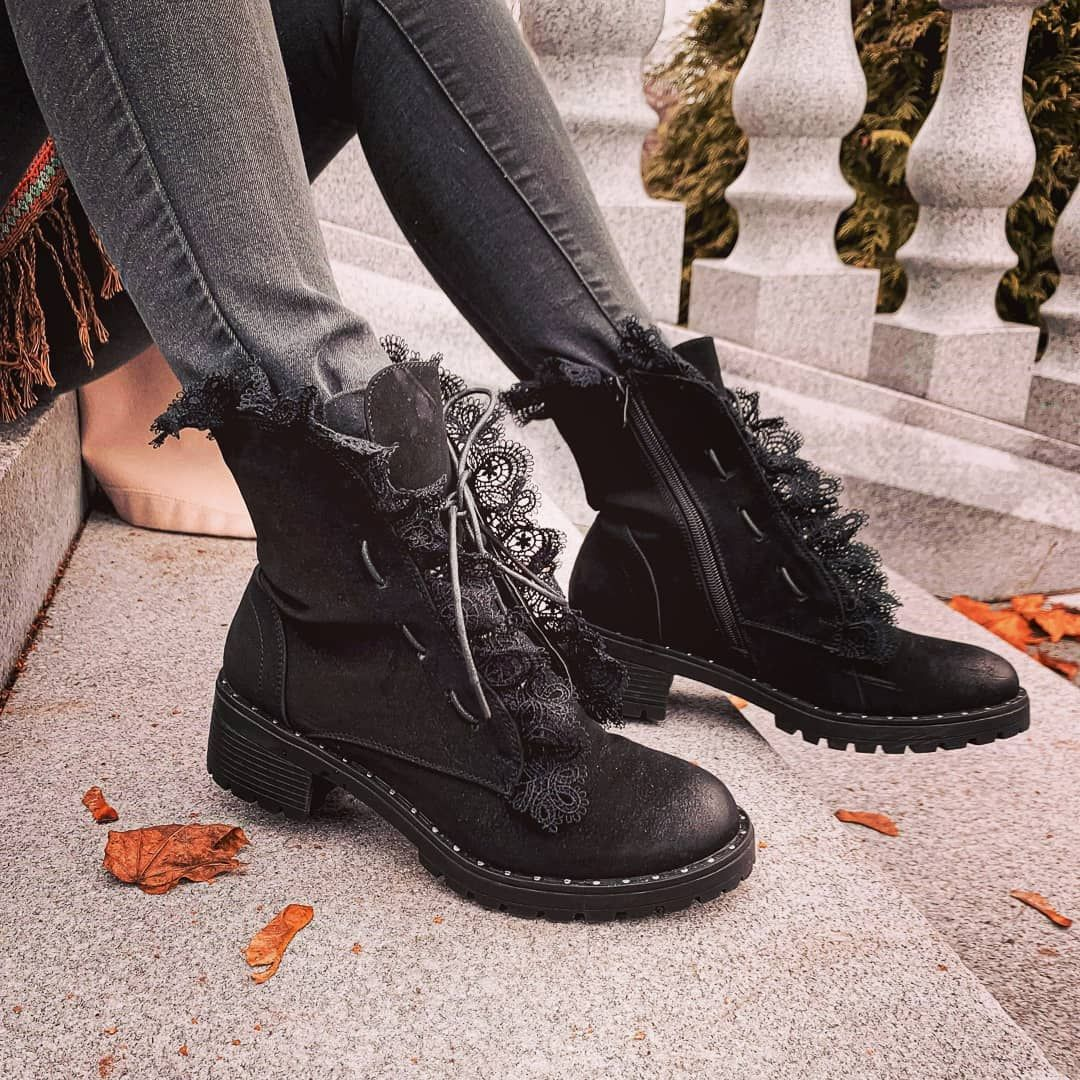Botki Z Motywem Koronki To Kolejny Nasz Hit Do 11 Listopada Kupisz Je 15 Taniej Botkizkoronk Combat Boots Shoes Boots