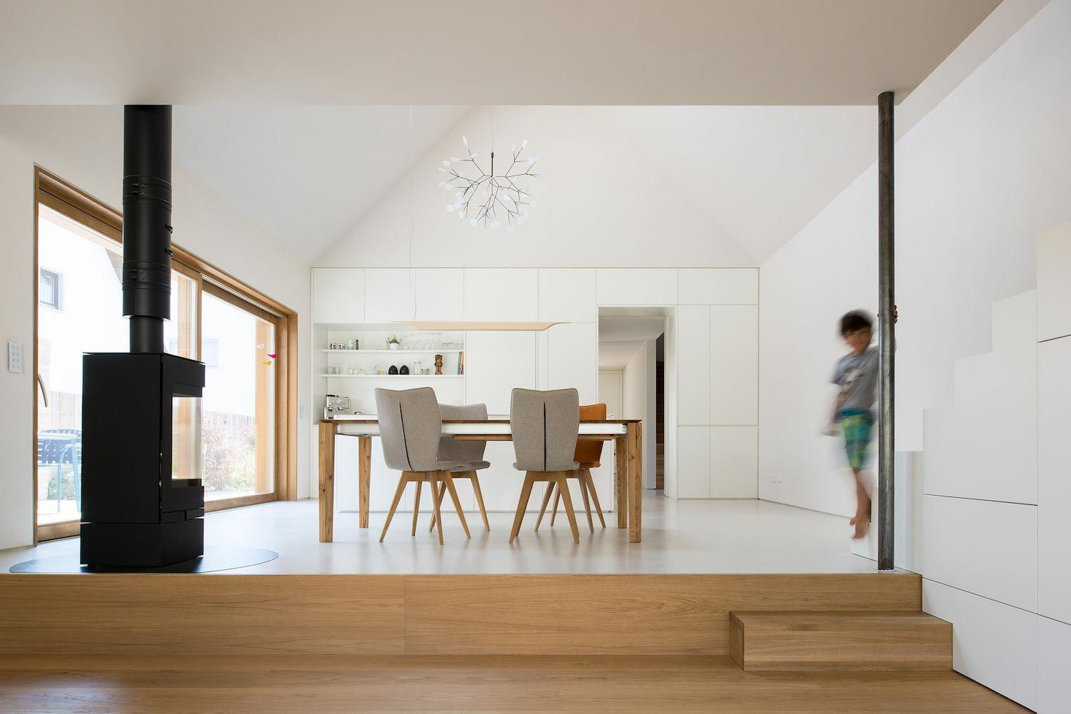 Clean and simple House SPK in Ingolstadt designed by nbundm ...