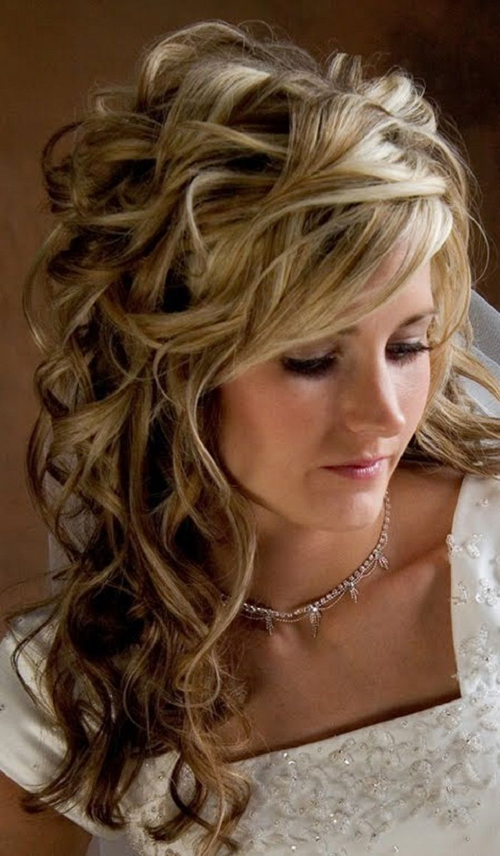 Awesome Wedding Hairstyle For Round Face To Look Slim Hi There You Come To The Right Site To Short Permed Hair Hair Styles Wedding Hairstyles For Long Hair
