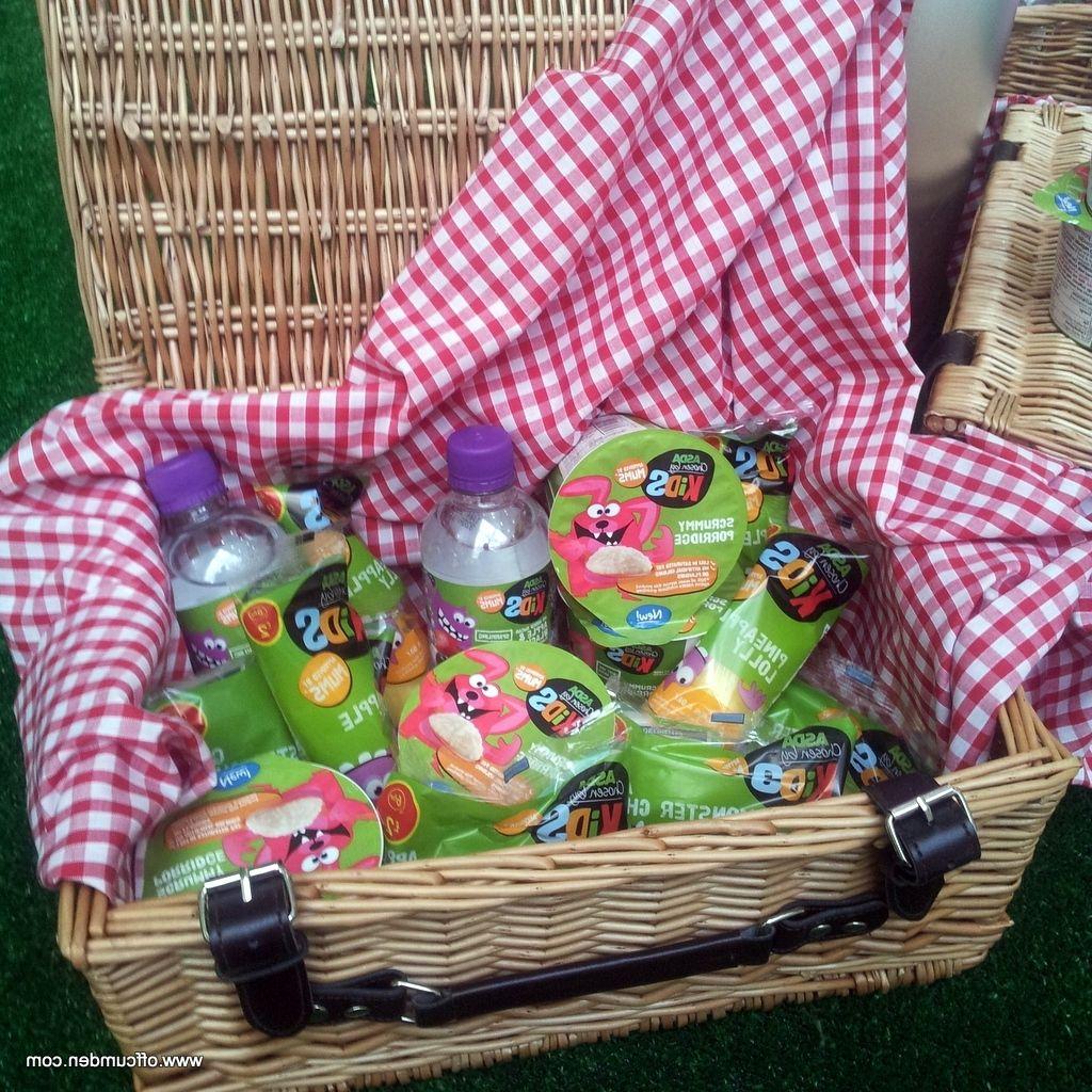 Asda picnic basket dengan gambar