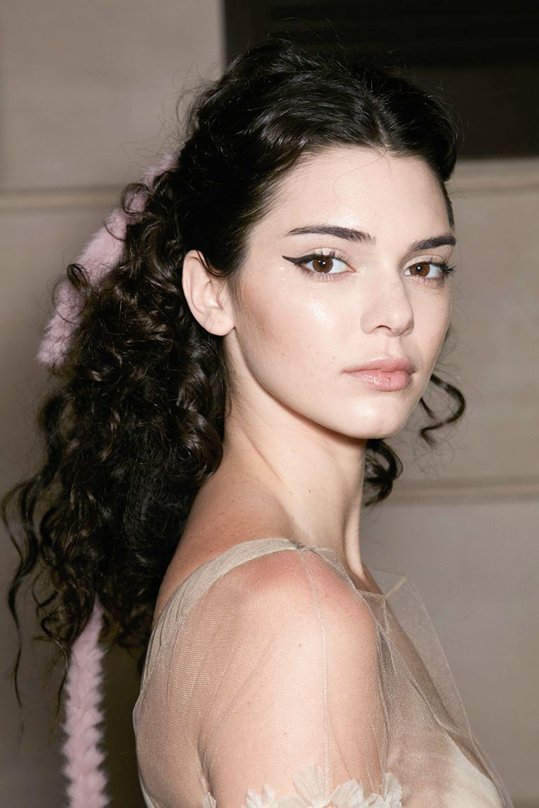 the 30 best hairstyles for curly hair   beauty & hair