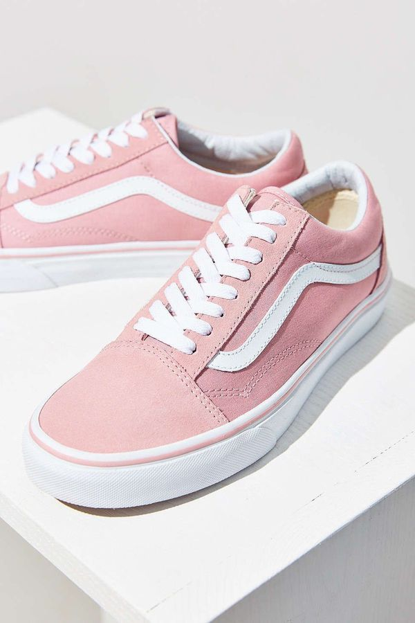 Pink vans, Tennis shoes outfit