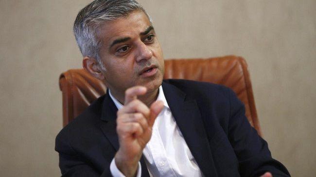 El alcalde de Londres firmó una iniciativa para combatir el antisemitismo - http://diariojudio.com/noticias/el-alcalde-de-londres-firmo-una-iniciativa-para-combatir-el-antisemitismo/181680/