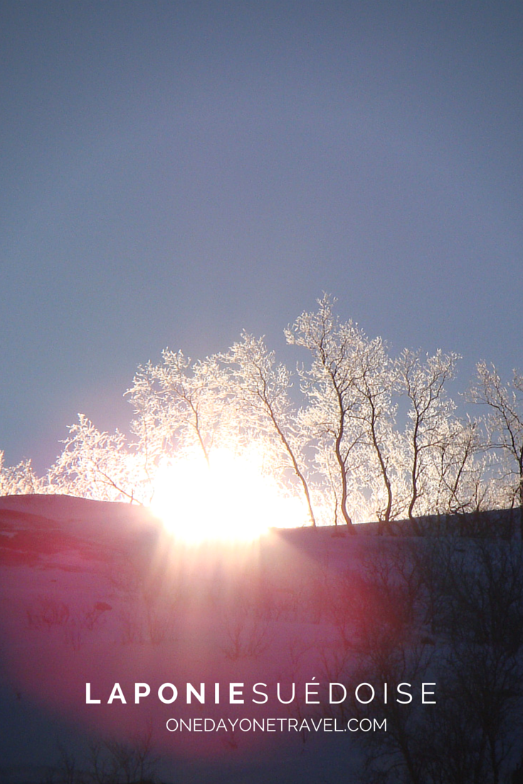 Lever de soleil dans le Parc National d'Abisko en Laponie