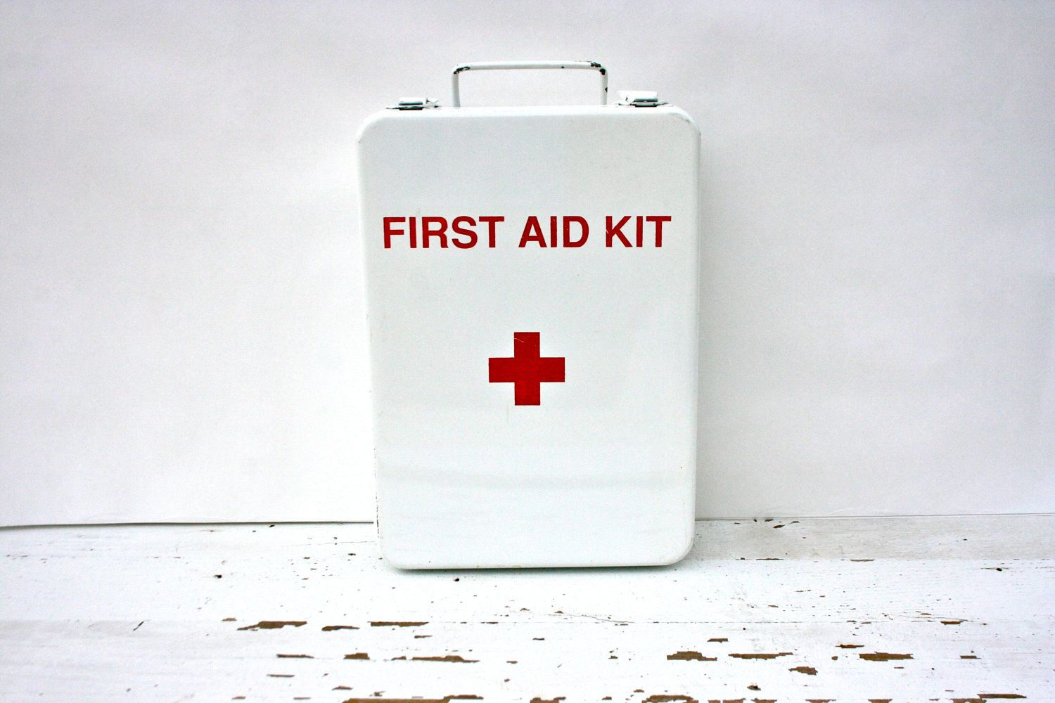 Reserved Vintage White Metal Wall Mount Red Cross First Aid Kit Red Cross First Aid First Aid Kit White Metal