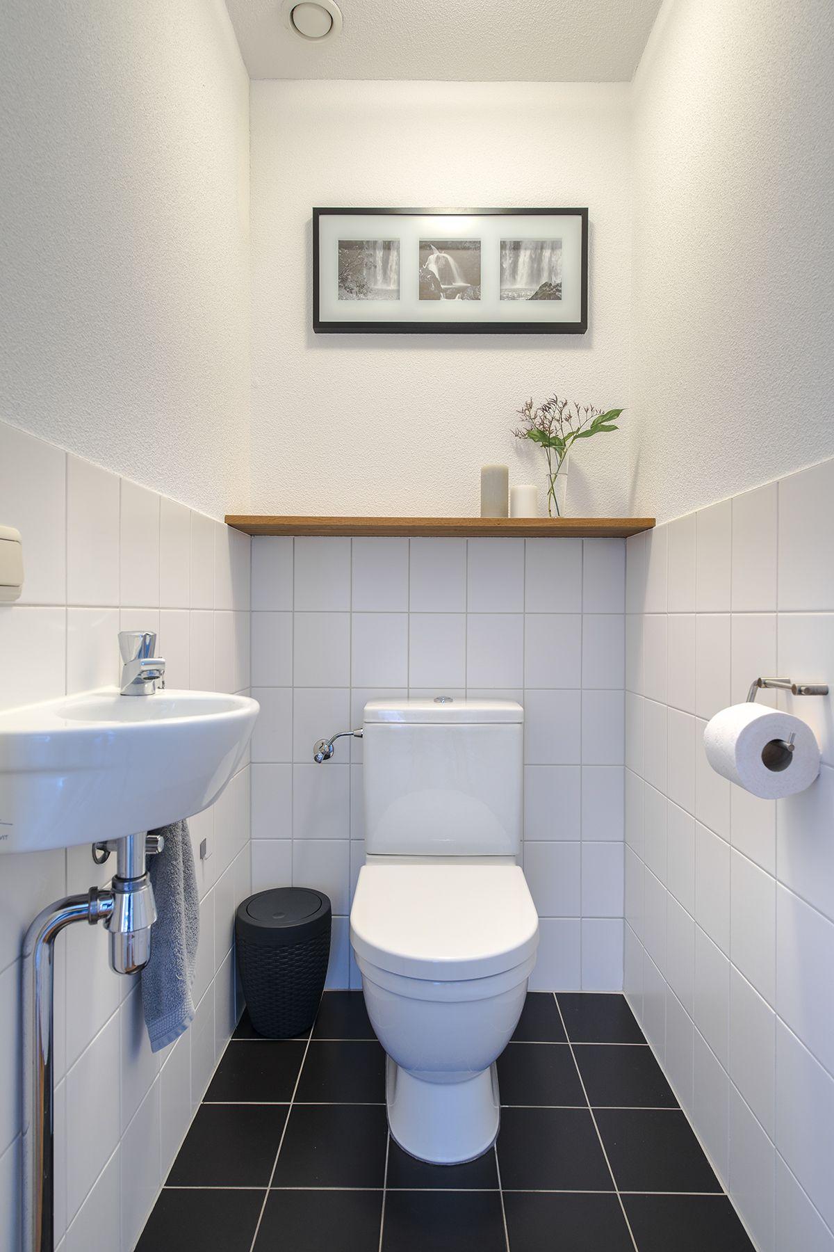 Seperate toilet Bathroom design decor, Bathroom tub