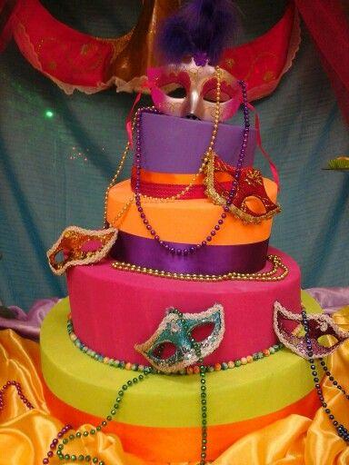 Tortas falsas para quinceañeras