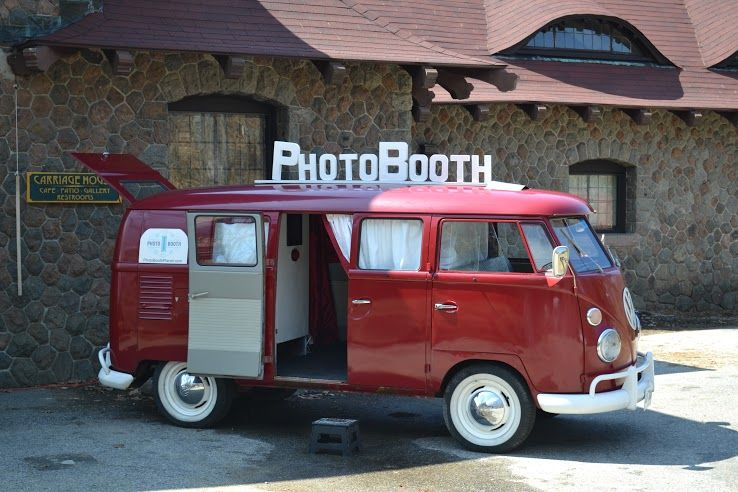 Ruby at @castlecloudwed #photoboothbus #photoboothplanet #newhampshire #vintage #VWbus #Volkswagen #wedding #bride #ruby