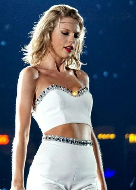 Taylor Swift Hot Sexy