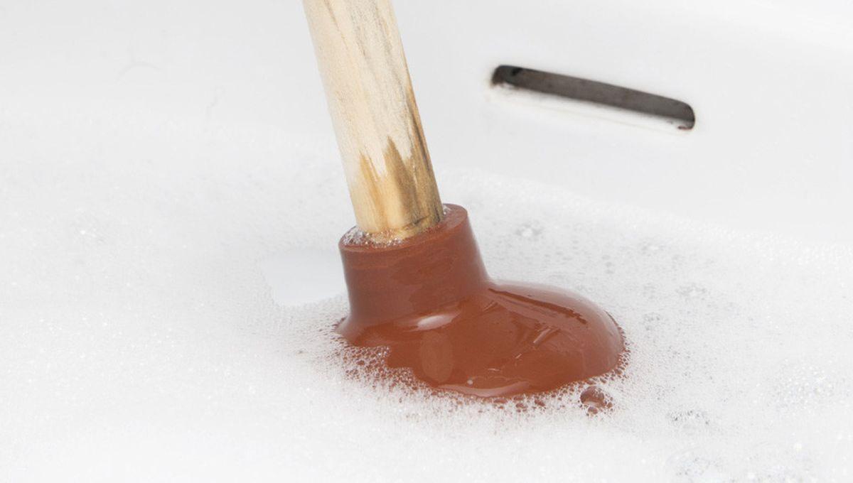 Abfluss Verstopft Diese Hausmittel Helfen Das Rohr Zu Reinigen Rohrreinigung Rohre Und Abfluss