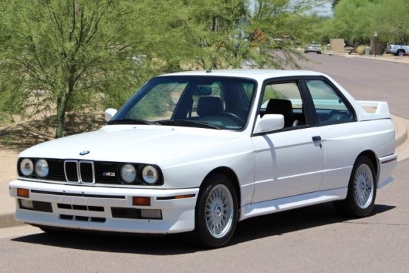 BMW E M O FROM THE SIMPLE TO THE SIMPLY FANTASTIC O - Bmw 1989 e30