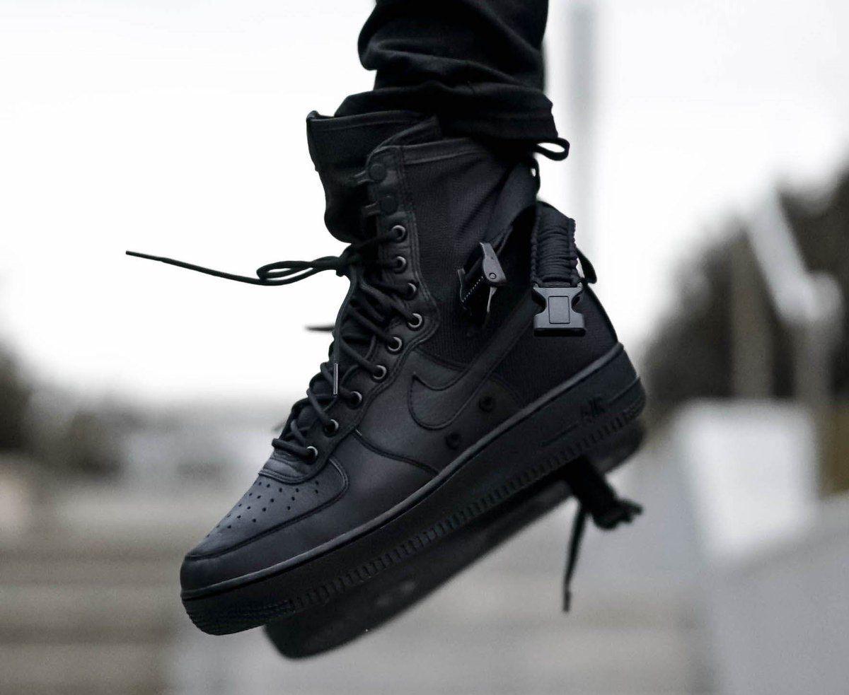 air force one triple black