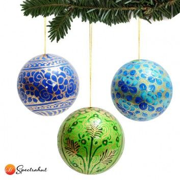 Christmas Tree Decorations With Christmas Ornaments Shop Online For Christmas C Christmas Decorations Ornaments Christmas Ornaments Christmas Tree Ornaments