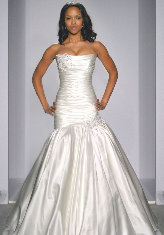 I love Pnina Tornai dresses. Great fit for curvy women | Wedding ...