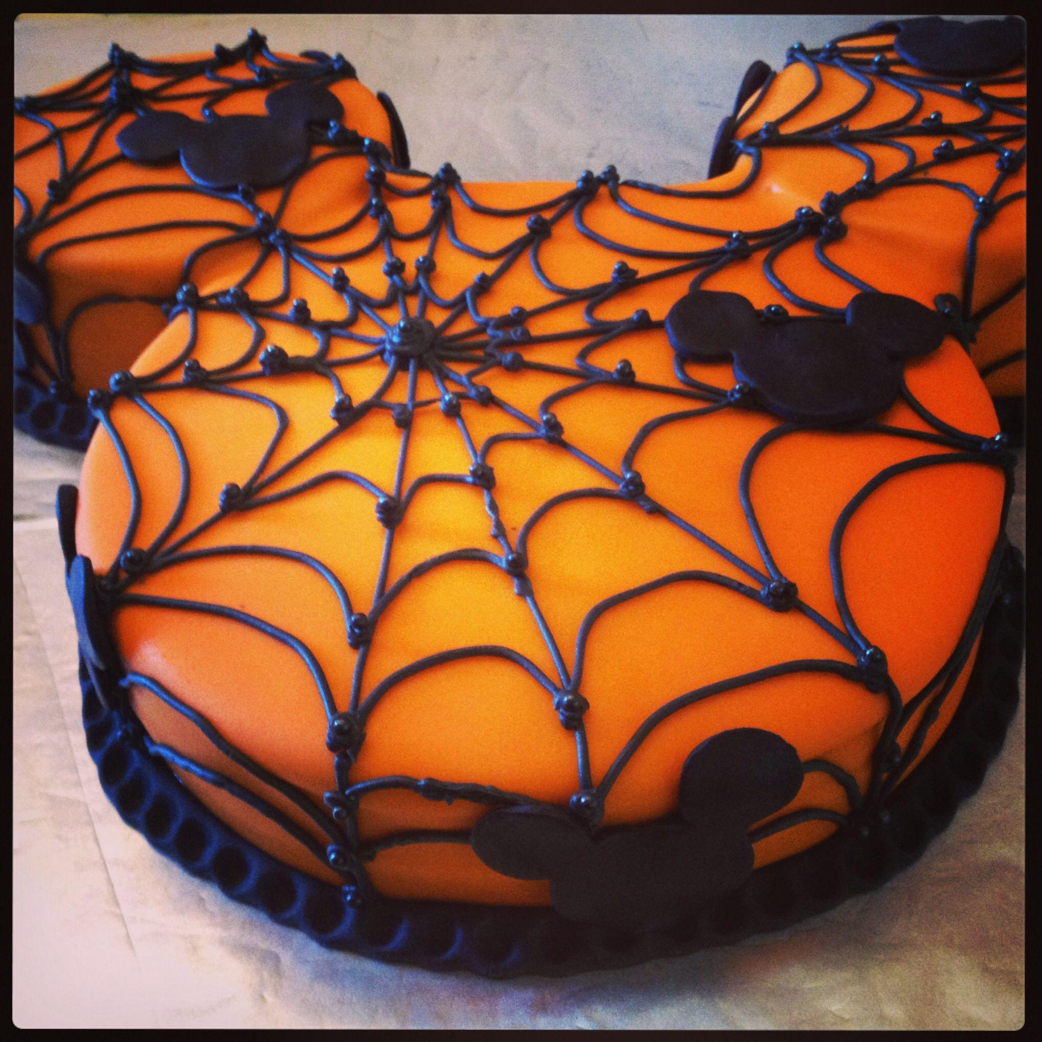 Mickey Halloween Cake ! | Fondant | Pinterest | Mickey halloween ...