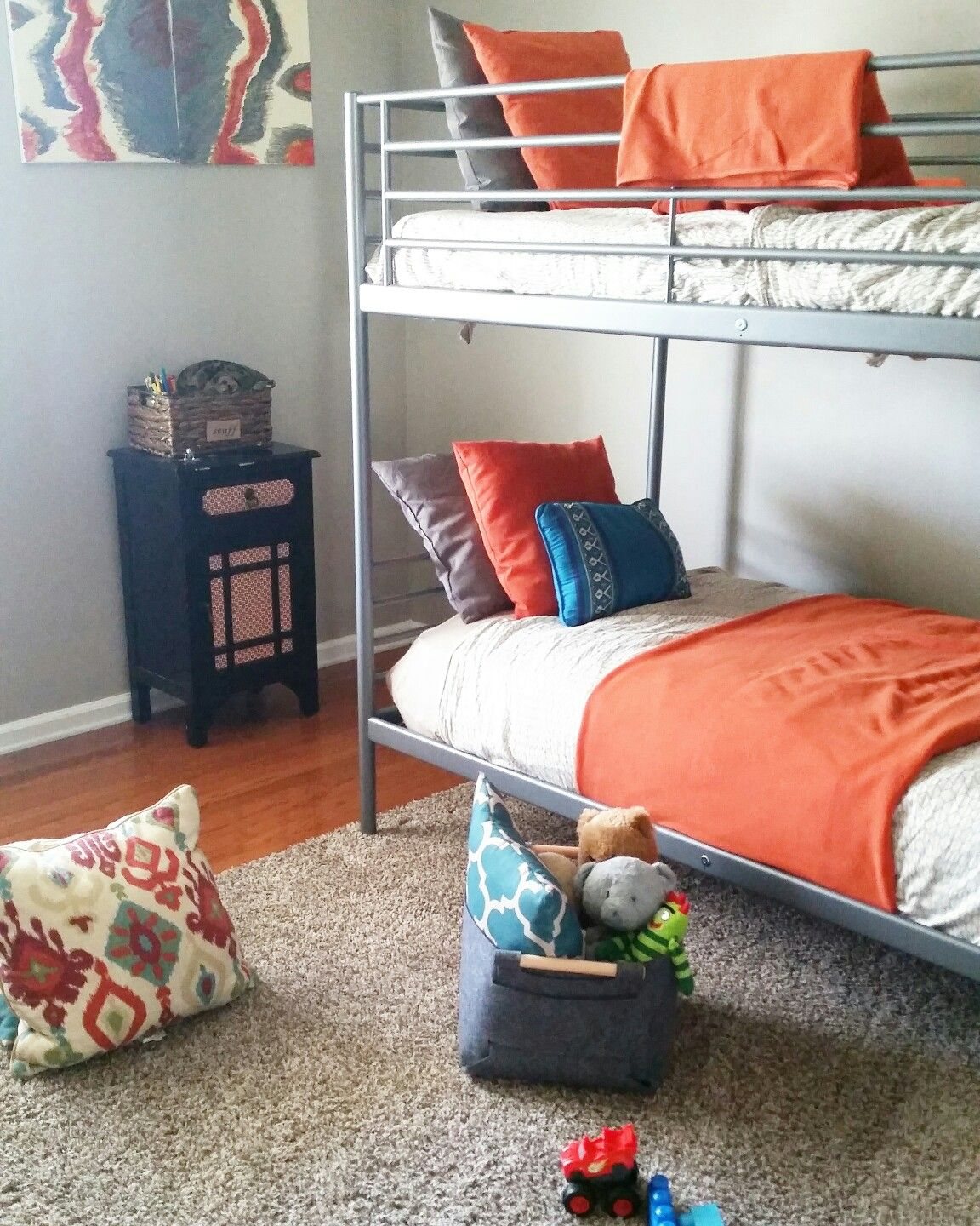 Shared Boys Decor Using Ikea S Svarta Bunk Beds Bunk Bed Rooms