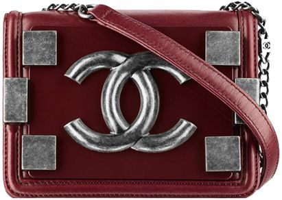 Chanel-Lambskin-flap-bag-with-clasp-red-1 http://www.lesbananas.us/2014/01/i-dream-chanel-flap-bag-new-year-new.html