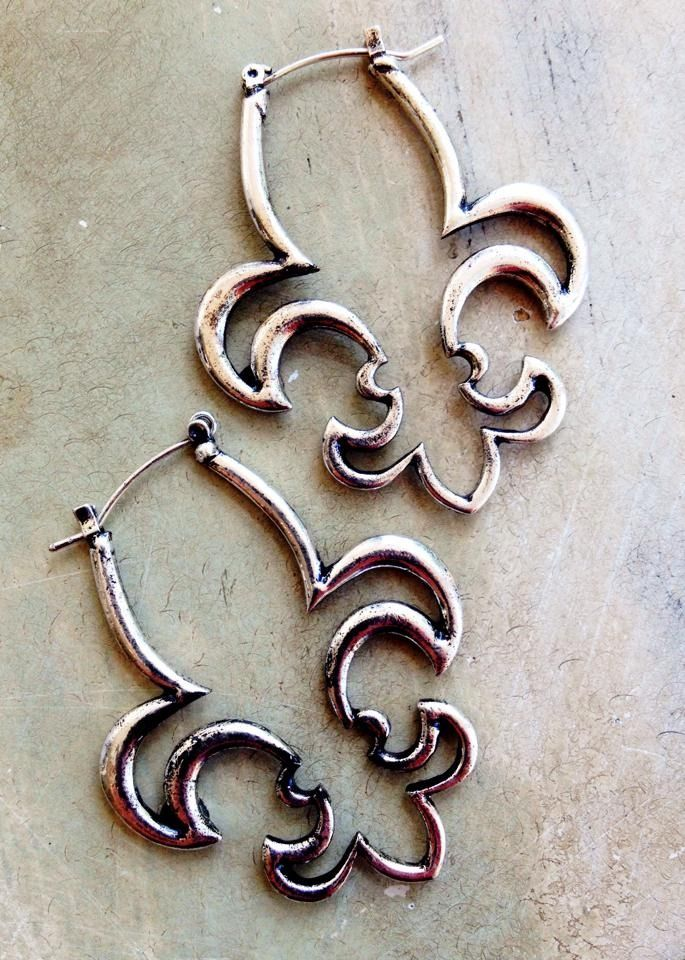 Fleurty Everything New Orleans Fleur De Lis Hoop Earrings 20