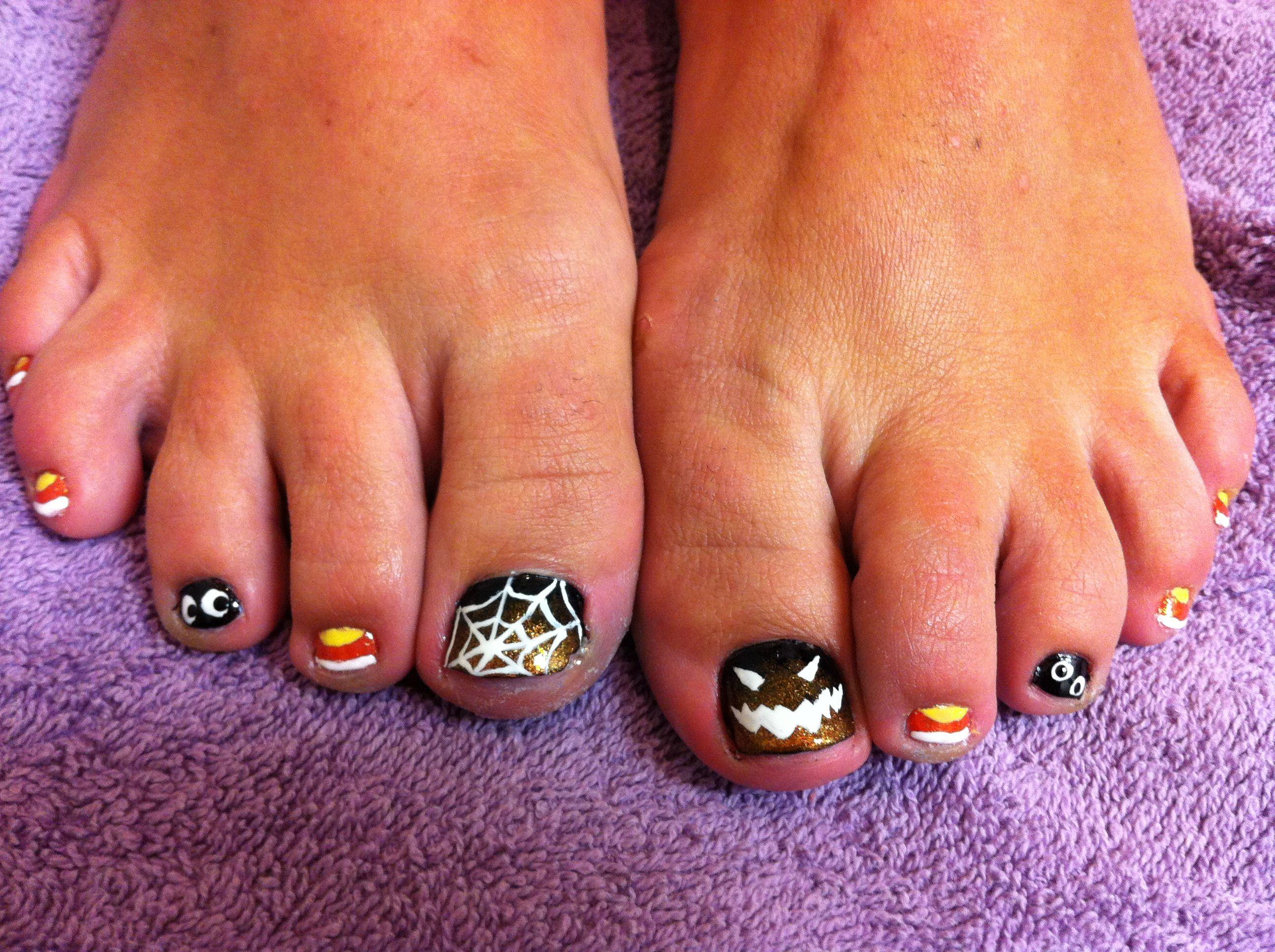 Halloween toes nail art | Halloween toe nails, Toe nail ...