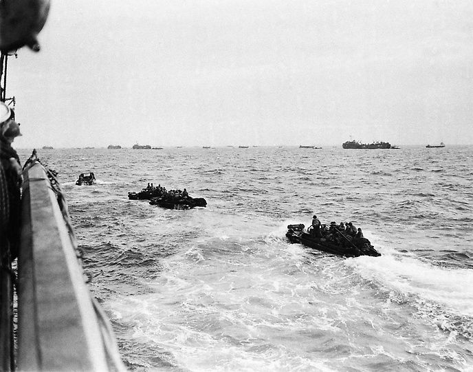 Photos On This Day 6 June 1944 D Day Began With Images D