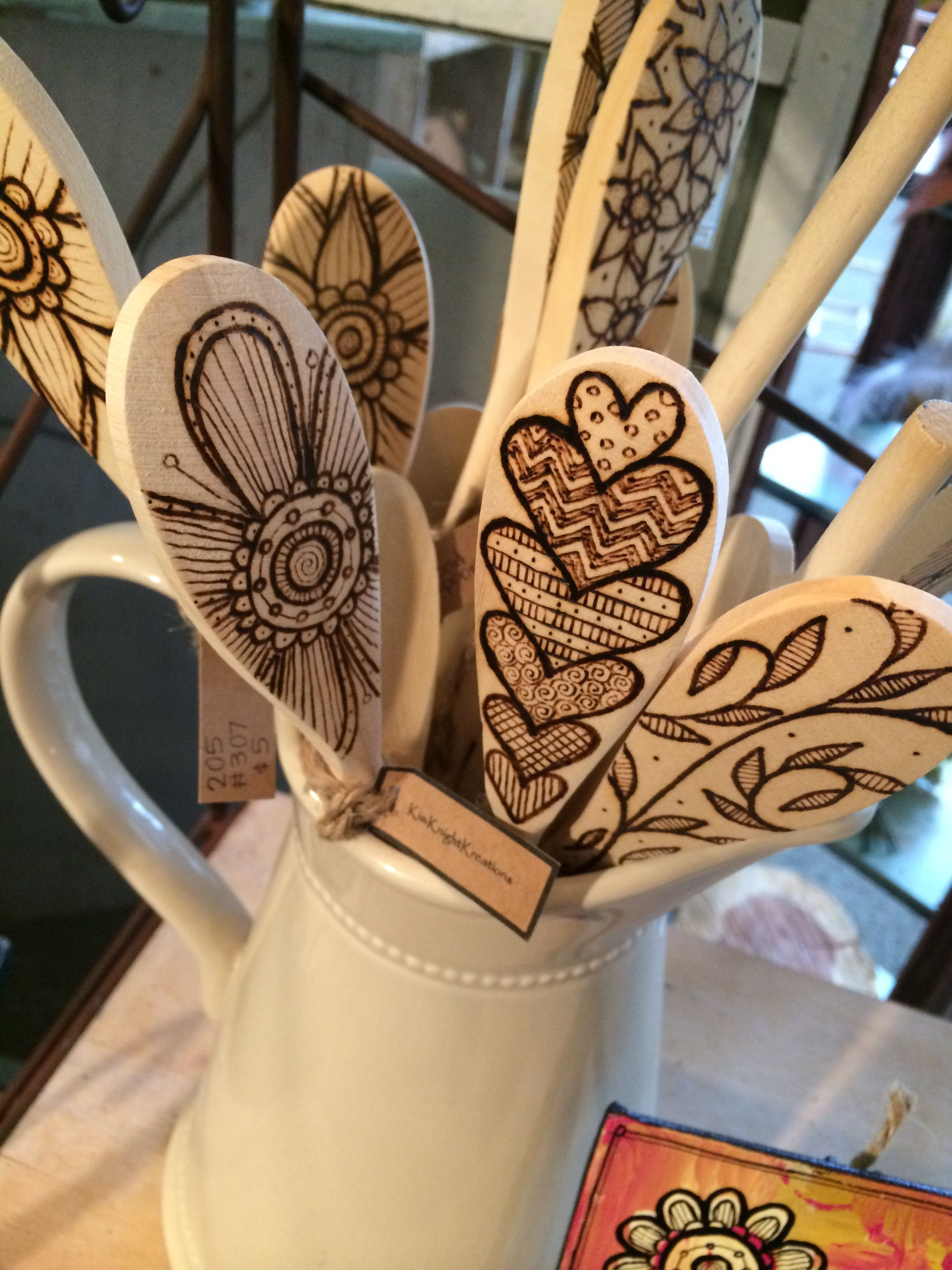 Wood Burned Spoons A Very Good Looking Set I Like The Cascading Hearts The Exploding Flowers In Particu Wood Burn Spoons Wood Burning Art Diy Wood Projects