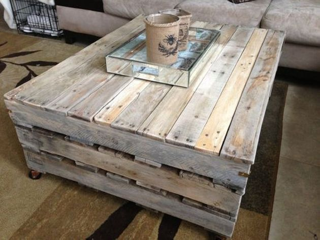 Convert Dumped Pallets Into Creative Coffee Tables Creative Coffee Table Diy Coffee Table Diy Wood Projects Furniture