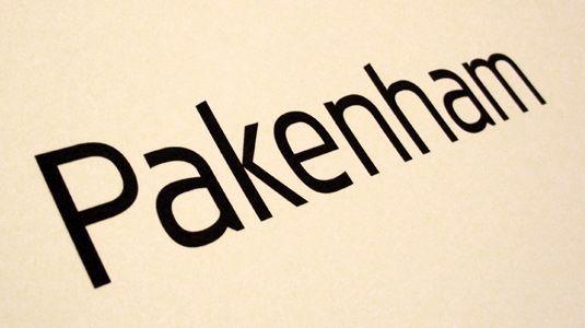 Pakenham Regular
