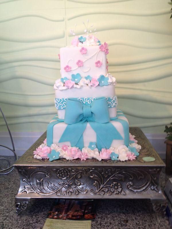 Pastel Decorado En Rosa Y Azul? Ideal Para Baby Shower O Bautizo