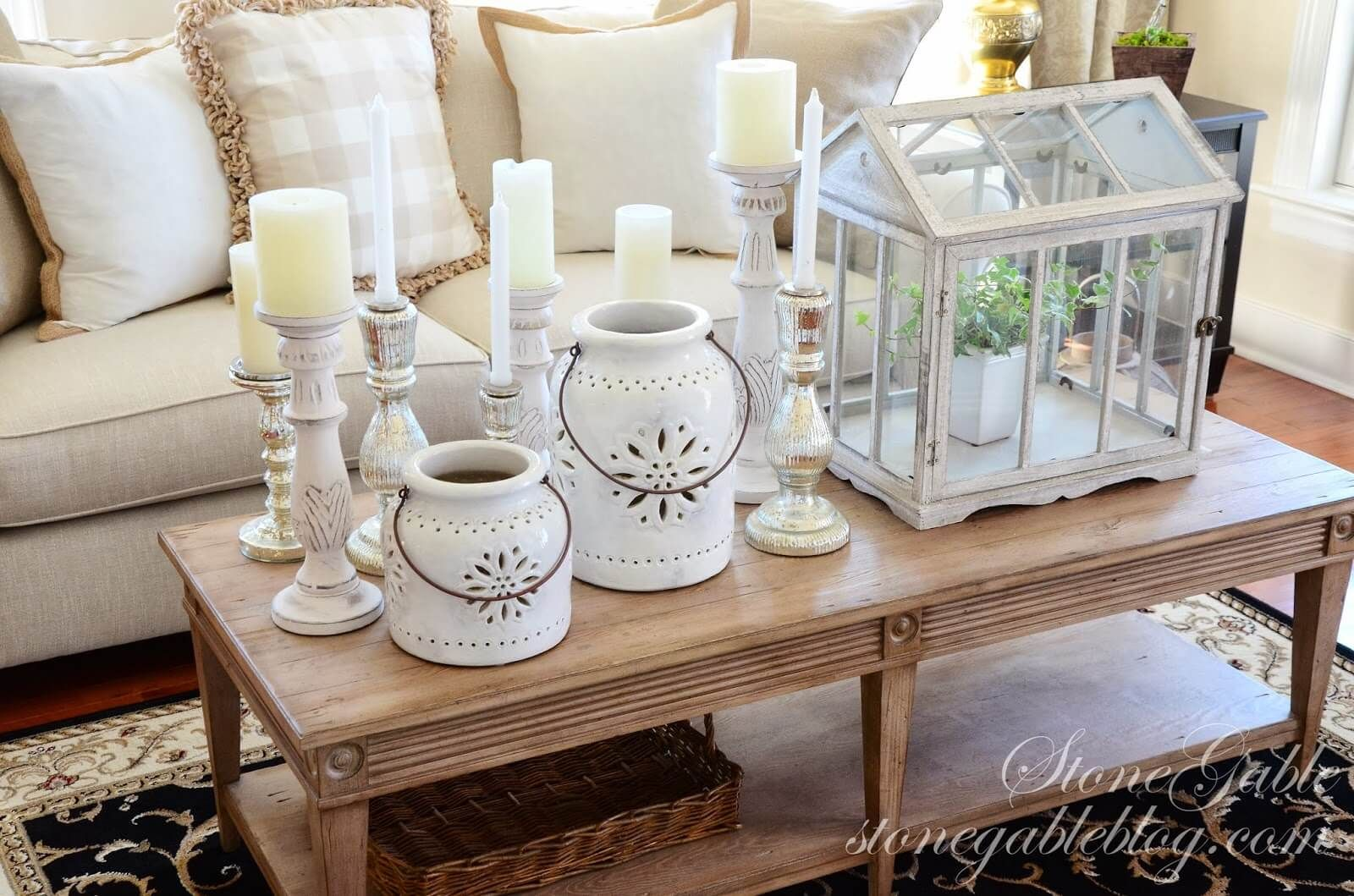 37 Coffee Table Decorating Ideas To Get Your Living Room In Shape Christmas Coffee Table Decor Coffee Table Centerpieces Decorating Coffee Tables