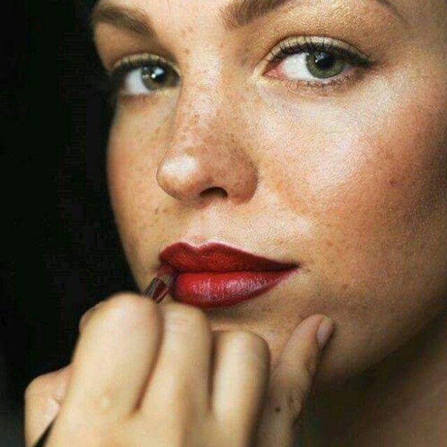 Photo of Hétköznapokon er viselheted kedvenc vörös rúzsodat, de hogy a hatás ne leg …